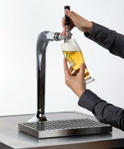 Hahn nicht ins Bier