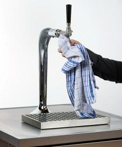 Falsch: Reinigung mit Tuch