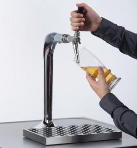La tête de soutirage est le chaînon qui relie le fût ou le container et la conduite de bière.